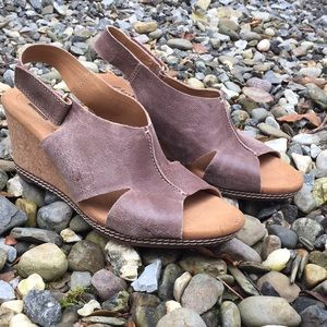 New Clark Wedges Size 8.5